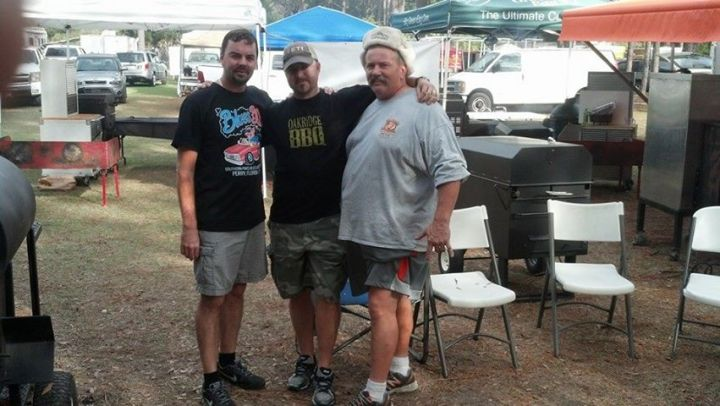 December BBQ in Florida....everyone still in shorts!!! Terry McKay, Damon Wooley & Dana Hillis.